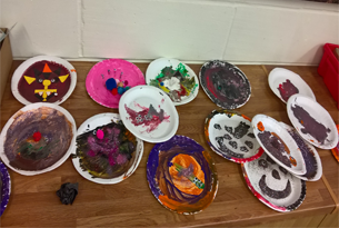 Content-305x205-Paper plate monsters